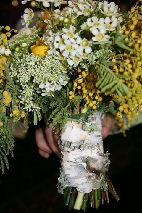 Bridal bouquet wraps: Wedding bouquet wrapping  with  birch bark