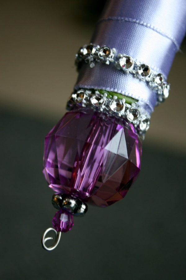Handle decor with a crystal pin