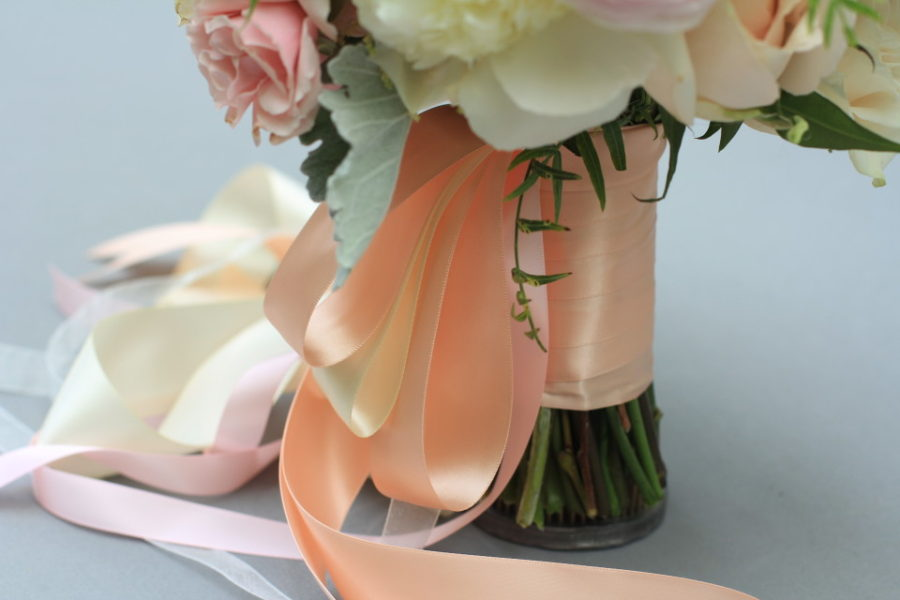 Handle decor with a long ribbons