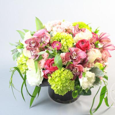 Spring flowers arrangement Babylon Gardens